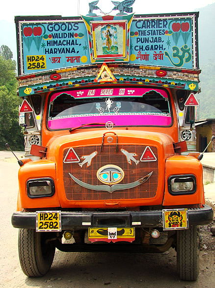 Colourful lorries as you see keep staring at you all along the way right upto Leh