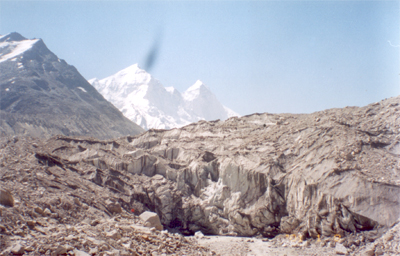 This is the Gaumukh Glacier, 3942  meters is a 19 kms trek from Gangotri.