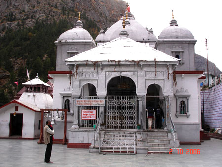 Ganga Maya ka Mandir (temple). Gangotri is situated at the confluence of the rivers, Kedar Ganga & Bhagirathi Ganga. According to Hindu scriptures, Gangotri is the place on earth where Goddess Ganga descended from the heavens as a reward for King Bhagirat