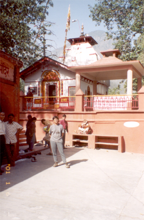 Kashi Viswanath Temple at Uttarkashi. Kashi means light, is the original name for the city Banaras. Most piligrims halt on their way to Gangotri. I remember it for super vegetarian food that we had there.