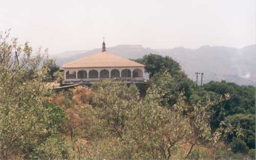 Afzal Khan s tomb, this is the place where the famous Shivaji - Khan encounter took place. It is a five-minute drive from the fort.