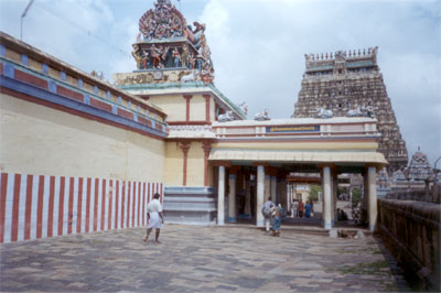 Entrance to the Parvati Temple with the northern gopuram in the background.