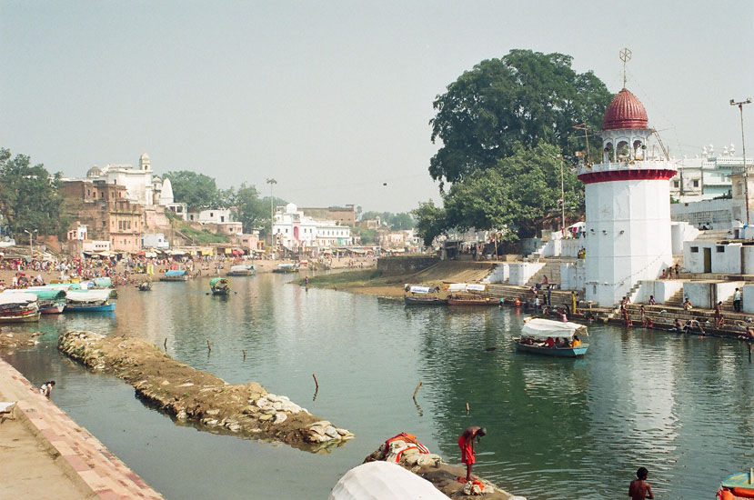 You see the famous Ram Ghat on the banks of the river Mandakini. It is quite a small ghat. You can take a boat ride to the point where the Aarti is held or walk through the market on the river banks.