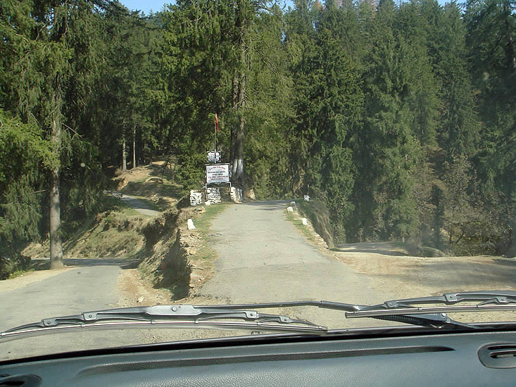 Way to Agyaat Vaas Resort - Narkanda