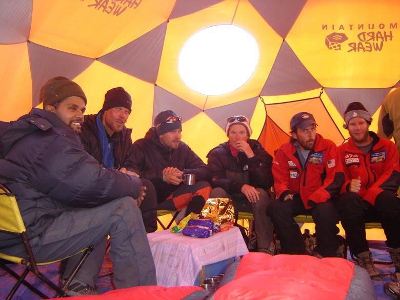 Inside the tent, a great feeling of comradrie amongst fellow climbers.
