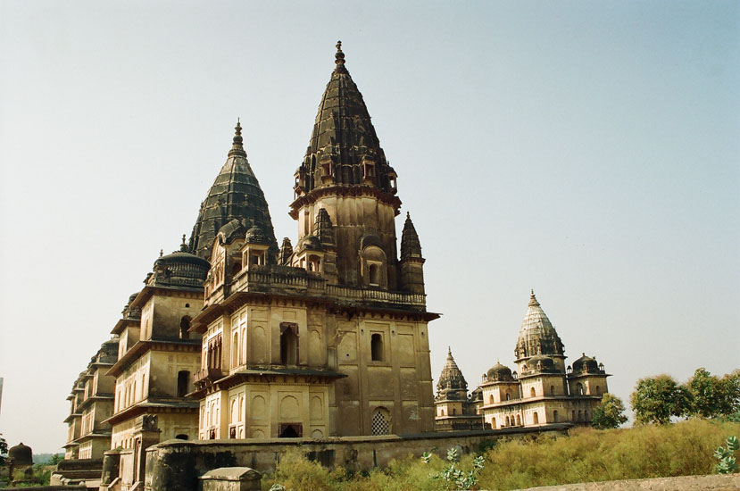 A closer view of the chhatris. There are 14 chhatris to the rulers of Orchha grouped along the Kanchan Ghat of river Betwa.