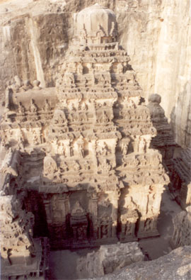 A side picture of the Vimana from the south side.