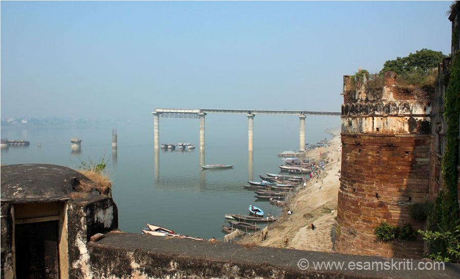 A view of the ghats from the Veda Vyasa temple - took a boat from there. Bridge under construction seems to be for cycles and people.