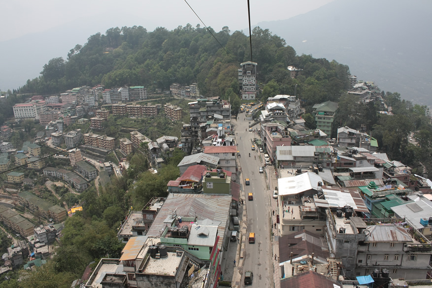 A picture of the town taken when we are in the ropeway.