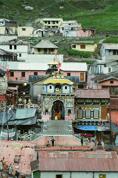 Welcome to Badrinath 3413 mtrs. Badrikashram was the sacred place where Nara & Narayana performed their penance. In the temple by the side of the image of Sri Narayana are installed the figures of Nara & Narayana. However, there are no shrines dedicated to Vyasa or Gaupada who once lived at this spot. Badrinath is accessible by road only, by bus is about a twelve-hour drive from Rishikesh. What you see is temple entrance.