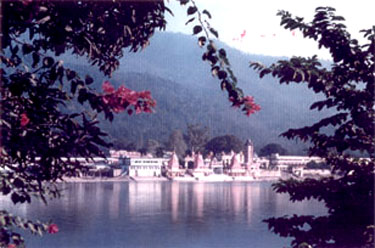 Risikesh Ashram on the banks of the Ganga