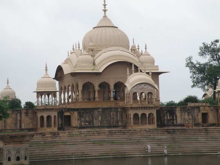 A closer view of the Chhatris.