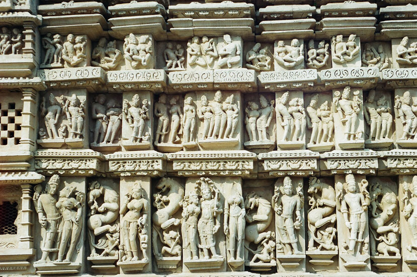 Sculptures Parsavanatha temple.