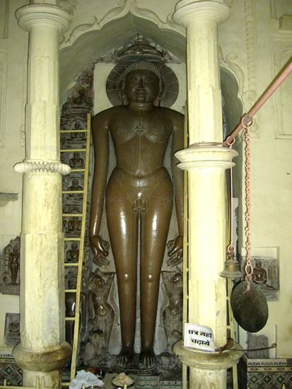 14 feet icon of Parshwanatha in the modern day made Sri Shantinath temple.