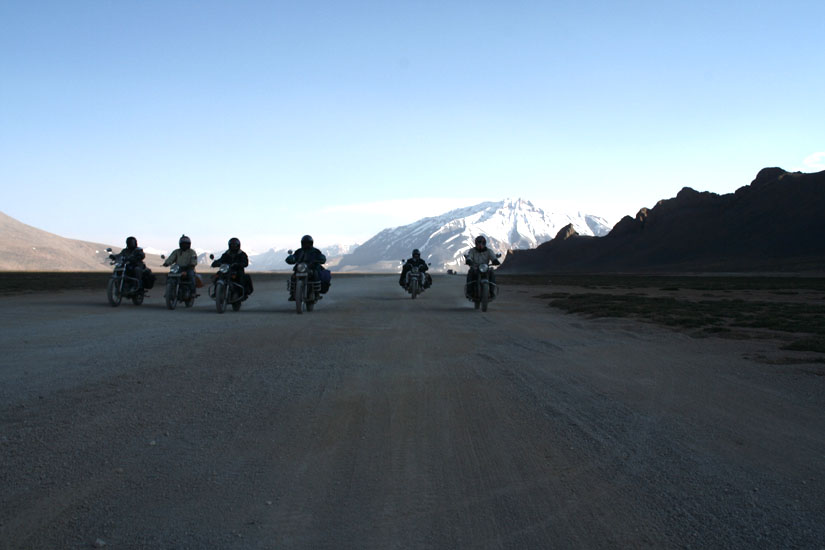 What a sight, 6 bikers on the sand dunes of Hundar