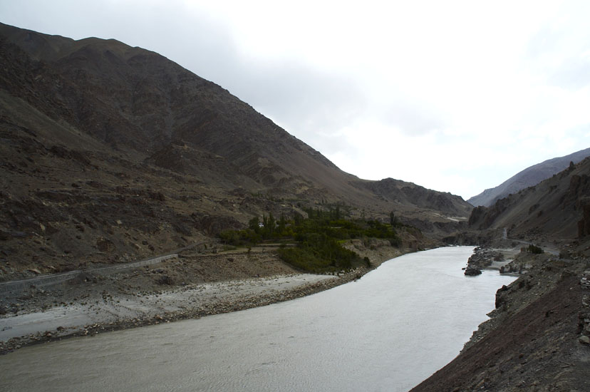 From here starts the drive from Leh to Sringar.