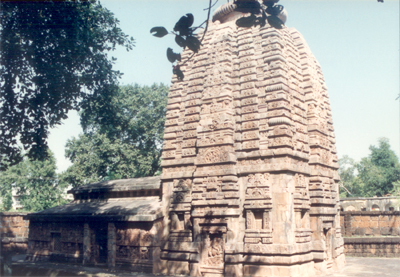 Parasurameswara Mandir (temple). The temple is usually regarded as the oldest among the temple`s of Orissa, is probably dated in the 5th or 6th century A.D. at the latest and was built in the Kalinga school of architecture. It was dedicated to Lord Shiva,