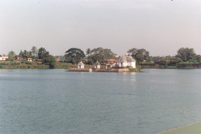 Bindusagar Tank. At one time the tank was bordered by over 7,000 temples. Of these, 500 still survive, all built in the extravagant Orissan style. The sagar is believed to contain water from every holy stream, pool & tank of India. There is a water pavili