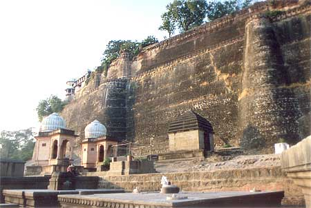 A view of the Ahilya Fort walls taken from the banks of the Narmada.