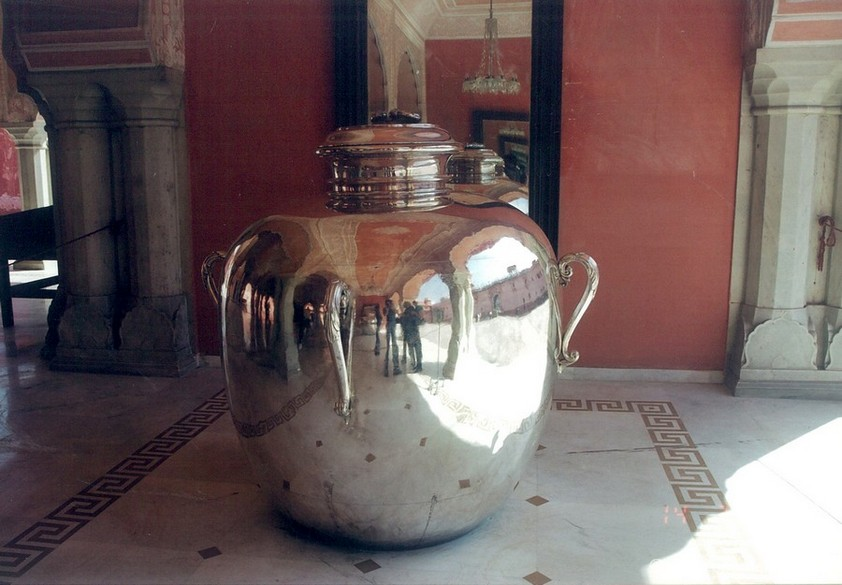 Inside Palace. What you see is the silver pot within which the Maharaja (king) took Holy Ganga water to England. We were told the pot weighed more than 500 kgs.