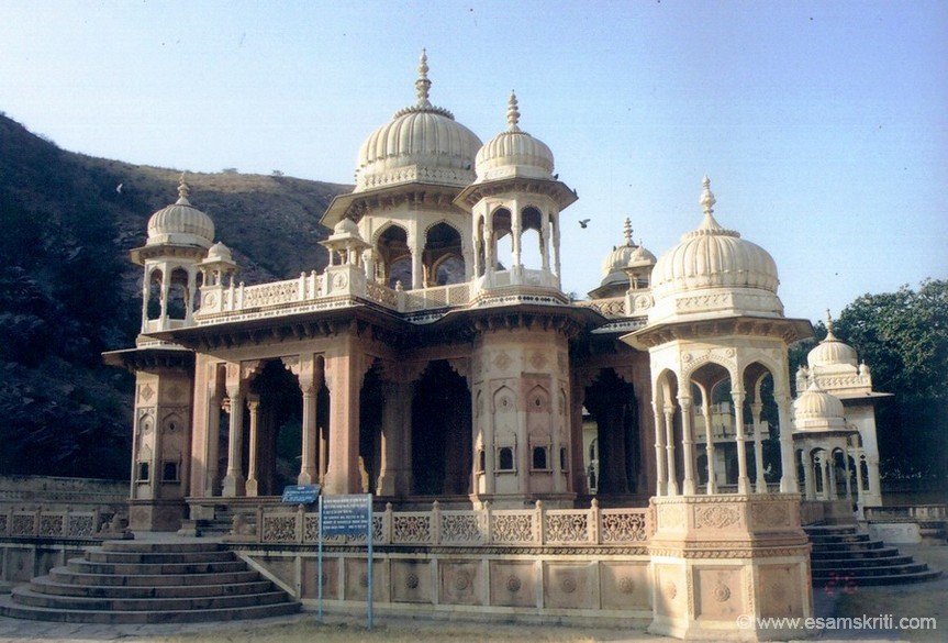 This is Gaitore, the final resting place of the Maharajas of Jaipur. Situated in a narrow valley the cenotaphs of the former Maharajas are chhatris made in typical Rajput style architecture.