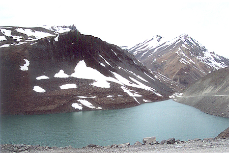 On the left of the earlier picture i.e. the Dhaba is this beautiful lake with snow clad mountains in the background.