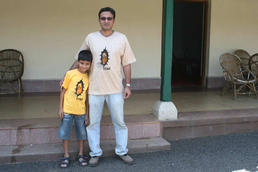 You see the photographer Kusal with his charming son Neel.