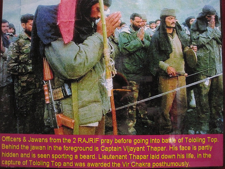 Prayers before the assault to recapture TOLOLING