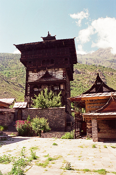 Atop the Kamru Fort, palace of the former Maharaja of Rampur. It is a couple of kms away from main Sangla town.