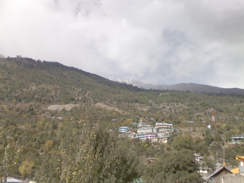 Ohh Kalpa…. This used to be the chief mandal town, before Reckong Peo was designated as the new district headquarters.