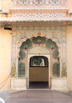 Cannot help but admire the paintings. You can see peacock painting on all sides above the door. Rajasthan & peacocks are synonymous.