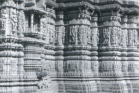 You see exquisite outer wall in the Parshwanath temple.