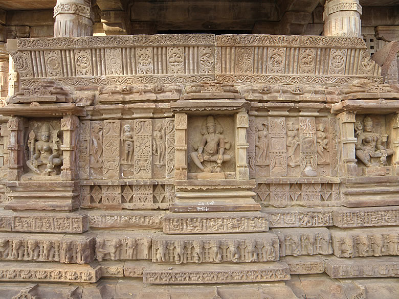 Side panel of main temple, note the carving. A walk around the whole complex indicates that it was actually a place where Religious/Cultural education was provided.