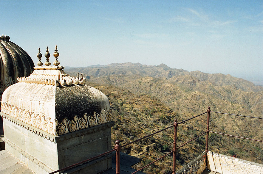 This picture is clicked from the top of Badal Mahal. Below the structure that you see on your left is a balcony, get very good breeze there. Intent of showing you this picture is also for you to see the mountains that a fort is surrounded by. One reason why it was a very safe fort making it difficult to conquer.