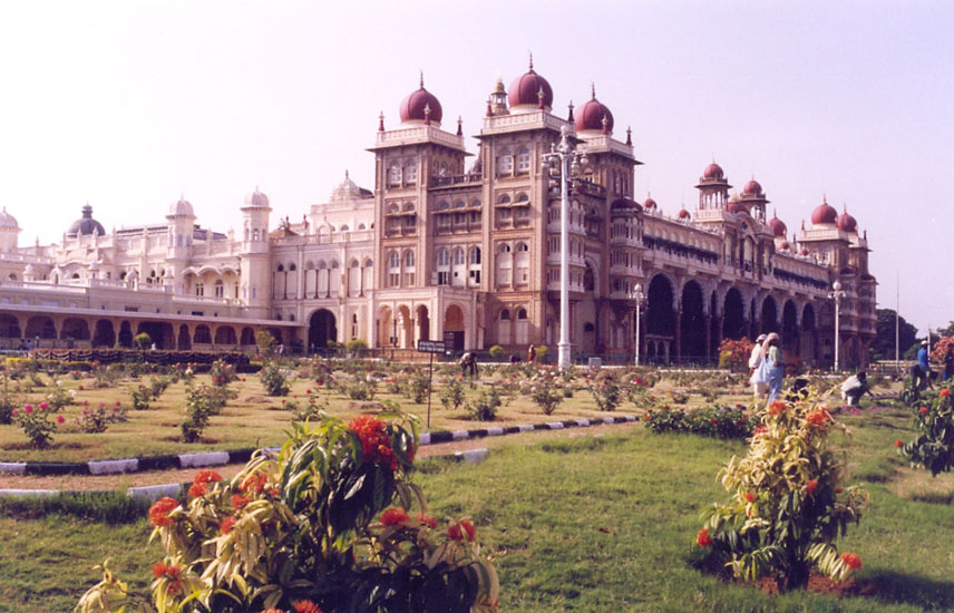 A closer view of the Palace.