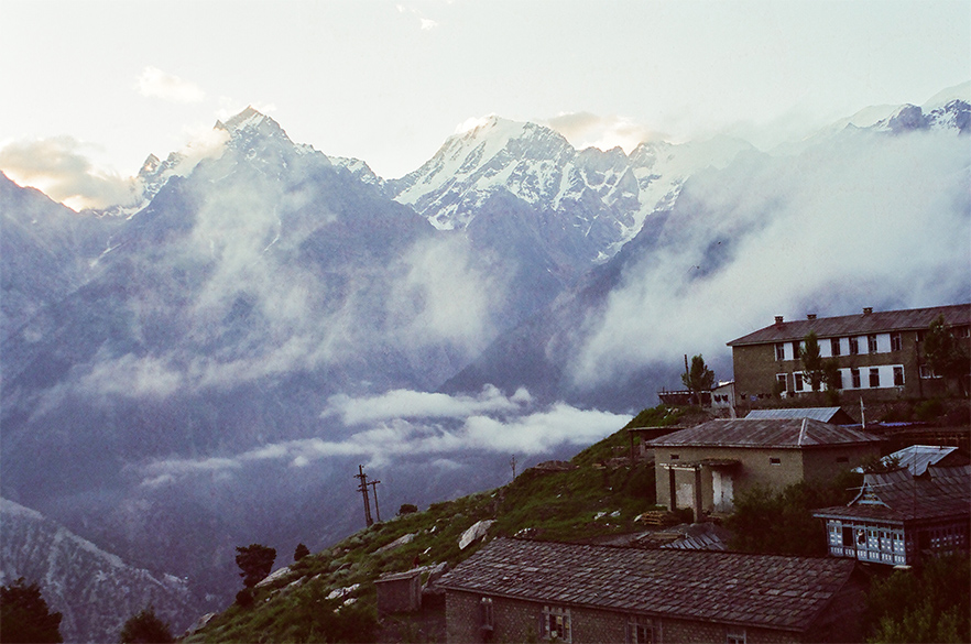 Kalpa is best known for the Kinner Kailash Range and apple orchards. In this picture you see the former.
