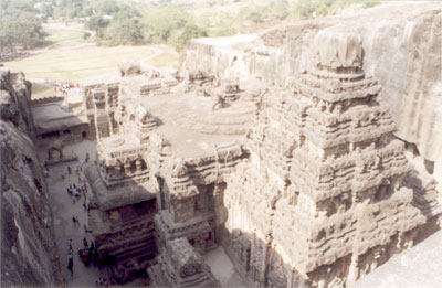 Picture from southeastern side. Height from top of the Vimana to the level of the courtyard is 95 feet. Note well maintained beautiful garden in the background.