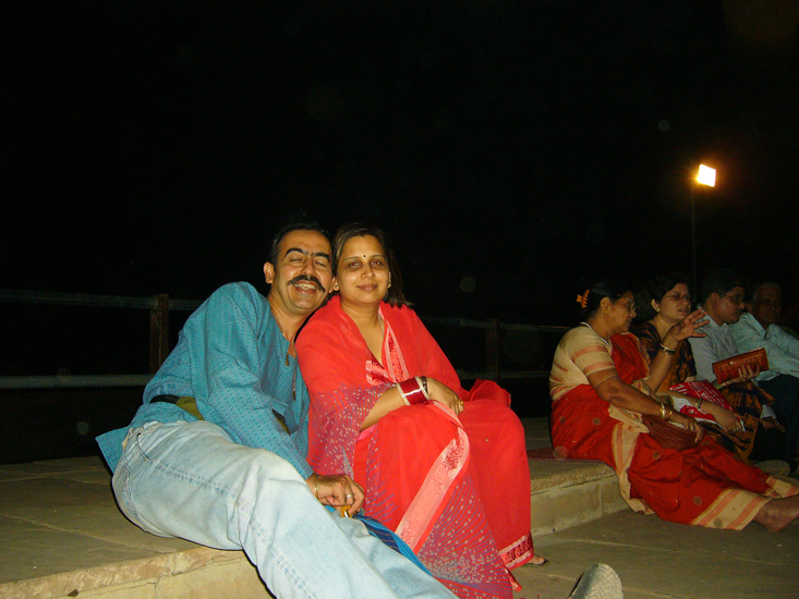 You see me and wifey enjoying the Light & Sound Show at the fort. It starts at 7.30, has voice of Amitabh Bachchan and is a must see.