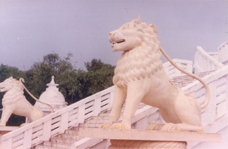 Again two lions at the entrance to the stupa.