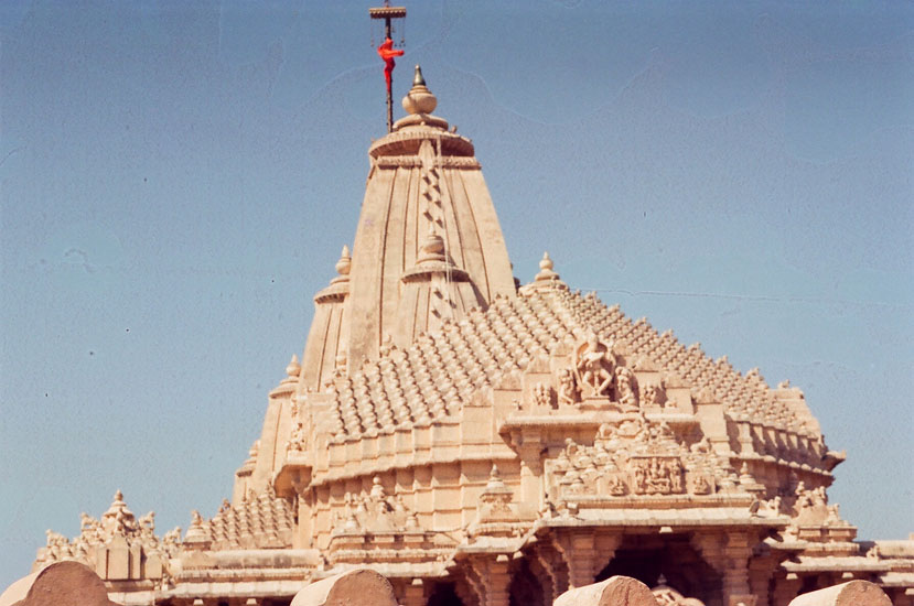 A closer view of the top portion main temple.