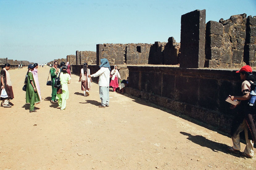 Market place in the fort consisted of 22 shops on either side, 800 feet long with drainage facilities too.