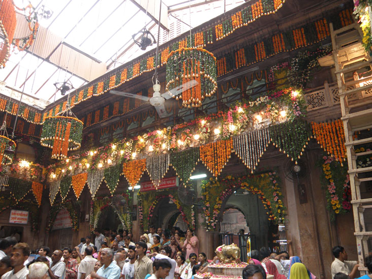 Welcome to Vrindavan, the land of Shri Krishna. I was fortunate to go there during Janmashtami 2009. You see decoration