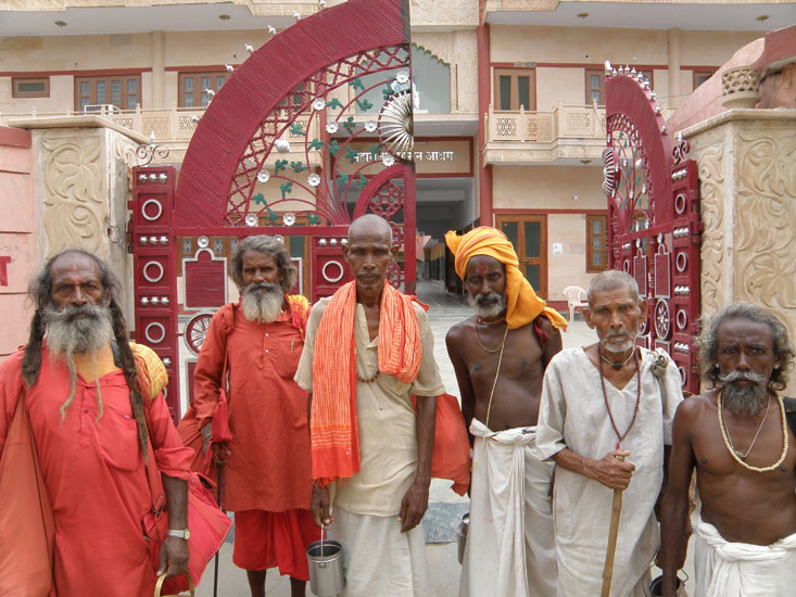 Enroute met these group of Sadhus who were looking for a place to stay. I requested them to pose for a picture and they obliged. At the beginning of the parikrama is a Krishna Balaram tree.